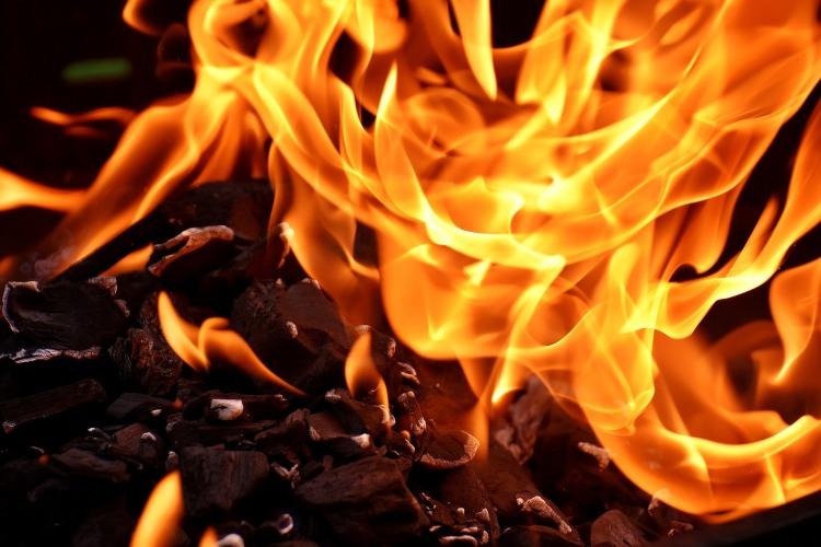 fire-2777580_1920